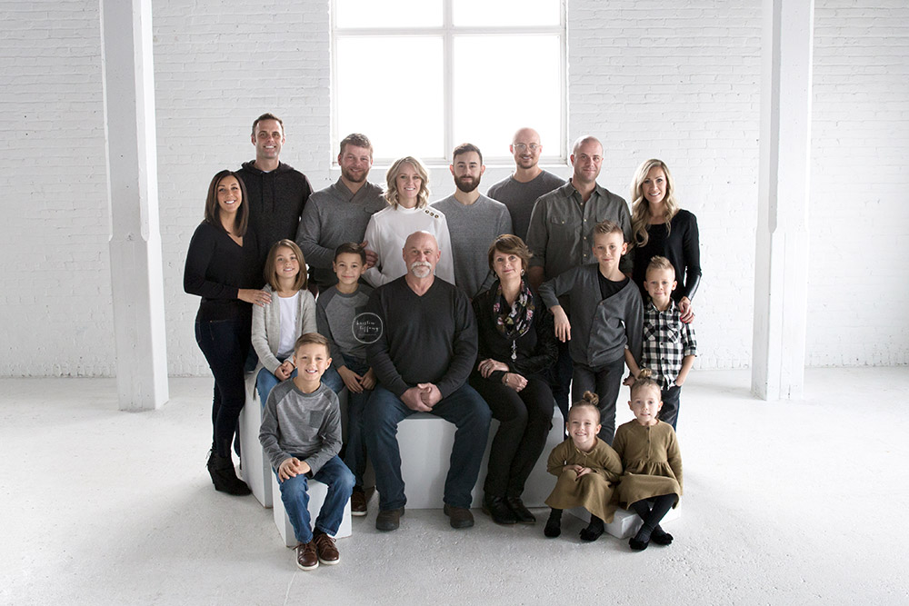 an in studio extended family session photo