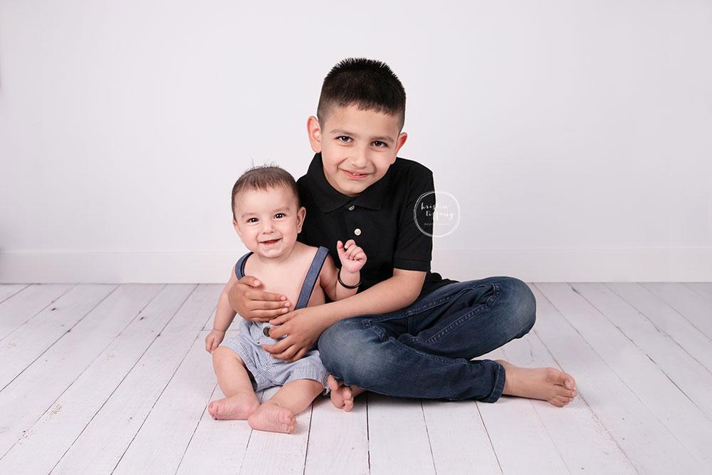 a photo of a baby boy at his photo shoot