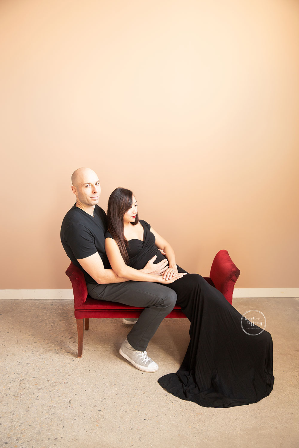 a maternity photo of an expecting mom at her maternity photoshoot